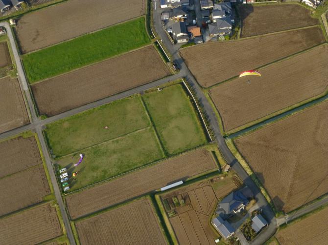 LP;  die anderen (Reis-)Felder werden Ende April/ Anfangs Mai geflutet...