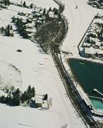 Paragliding Fluggebiet Europa » Schweiz » Graubünden,Gotschnagrat,Winterlandeplatz in Klosters; unmittelbar beim gut erkennbaren See