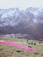 Paragliding Fluggebiet Europa » Schweiz » Obwalden,Fürenalp - Engelberg,Startplatz Führenalp. Hier hat es Platz für eine grosse Zahl von Piloten. Am linken Rand ist die Bergstation zu erkennen, am rechten Rand der Windsack. (08.11.2009)