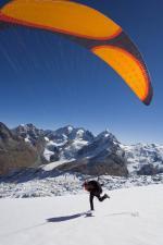 Paragliding Fluggebiet Europa » Schweiz » Graubünden,Piz Corvatsch,Start am Corvatsch Im Hintergrund: Morteratsch - Bernina - Rosegg (vlnr)  mit freundlicher Genehmigung ©www.azoom.ch