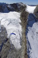 Paragliding Fluggebiet Europa » Schweiz » Graubünden,Piz Corvatsch,über den Gletschern am Corvatsch...  mit freundlicher Genehmigung ©www.azoom.ch