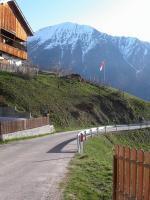 Paragliding Reise Bericht Europa Italien Trentino-Südtirol,Südtirol - Vintl und Umgebung, Weitental,Der Oberhof, direkt am Startplatz Foto: Michael Friedchen