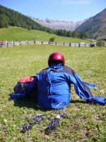 Paragliding Reise Bericht Europa » Italien » Trentino-Südtirol,DreiherrenSpitze-Picco dei tre Signori,das Tal - mehr Landewiese geht nicht